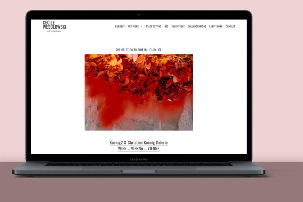 Website von Cécile Wesolowski auf einem Laptop